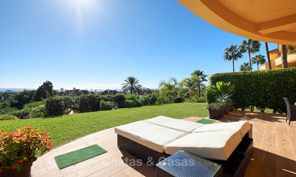 Spacious ground floor luxury apartment with sea views for sale in Elviria, Marbella East 7546
