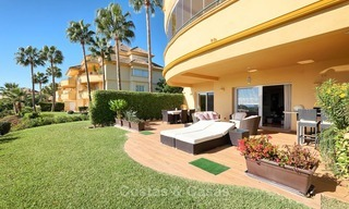 Spacious ground floor luxury apartment with sea views for sale in Elviria, Marbella East 7547
