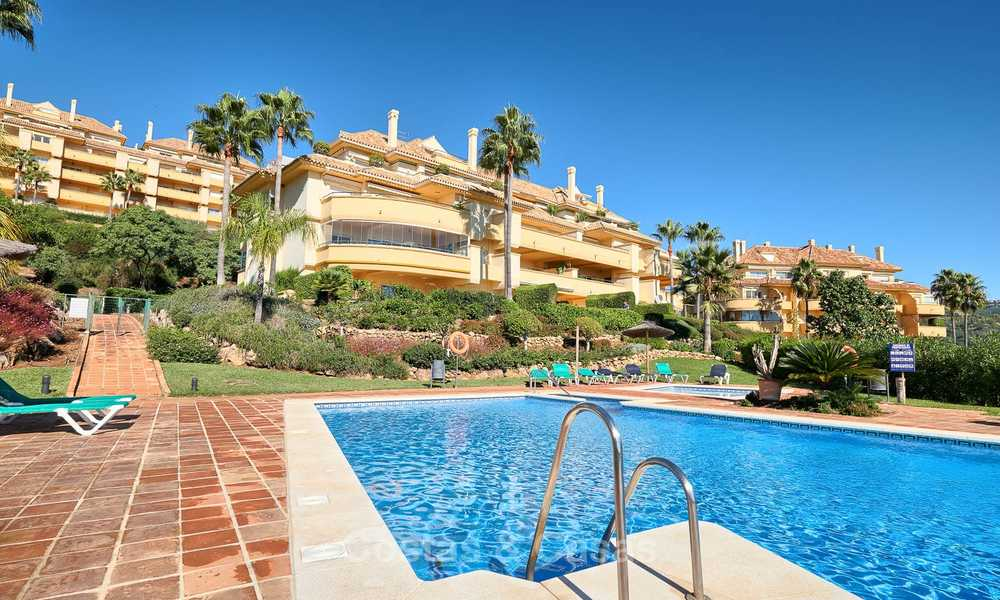 Spacious ground floor luxury apartment with sea views for sale in Elviria, Marbella East 7552