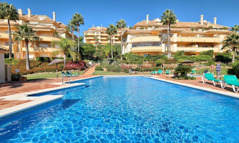 Spacious ground floor luxury apartment with sea views for sale in Elviria, Marbella East 7553