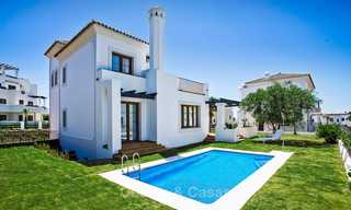Elegant new turnkey villas with sea views for sale, front line golf, New Golden Mile, Marbella - Estepona 7573