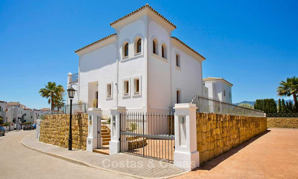 Elegant new turnkey villas with sea views for sale, front line golf, New Golden Mile, Marbella - Estepona 7576