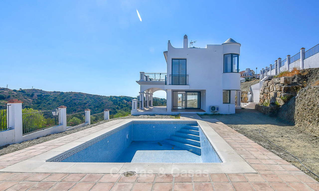 Bargain! Renovated Andalusian style villa with stunning mountain views for sale, Nueva Andalucia, Marbella 7594