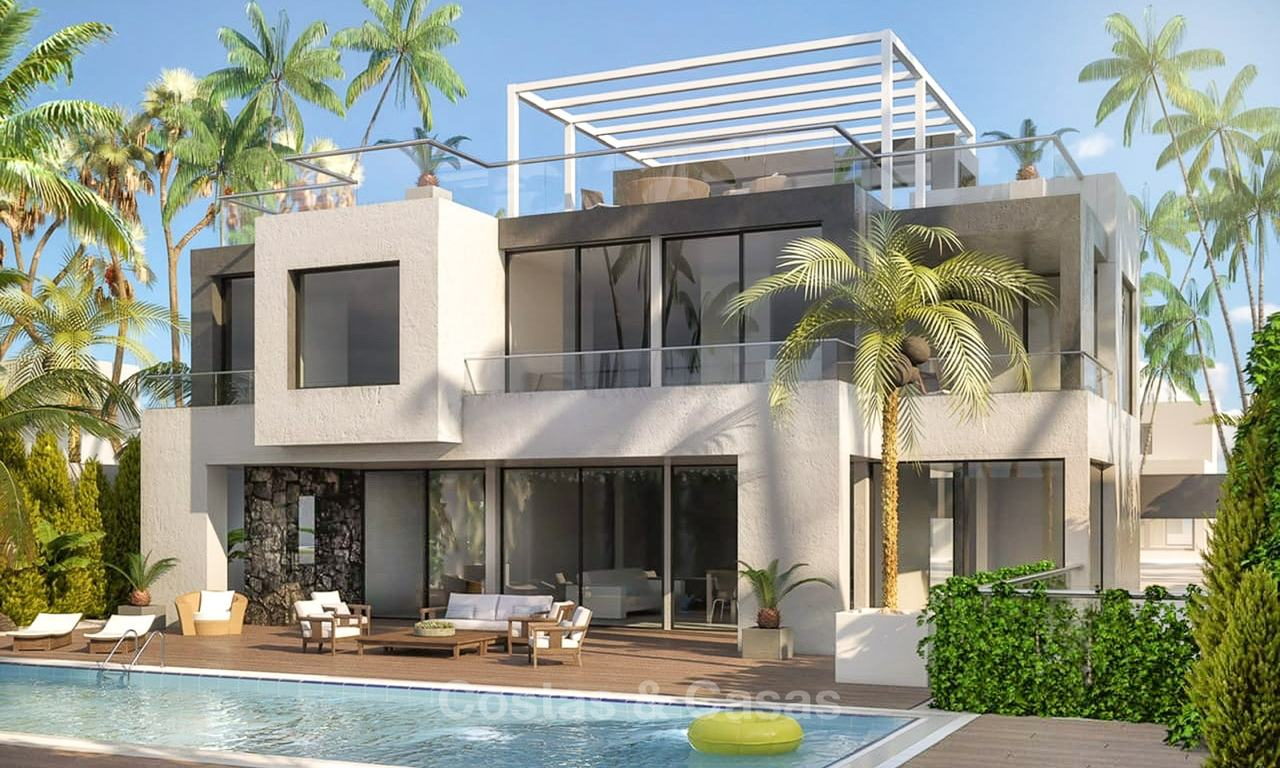 Beachside shell villa in an upmarket urbanisation for sale, Golden Mile, Marbella 7610