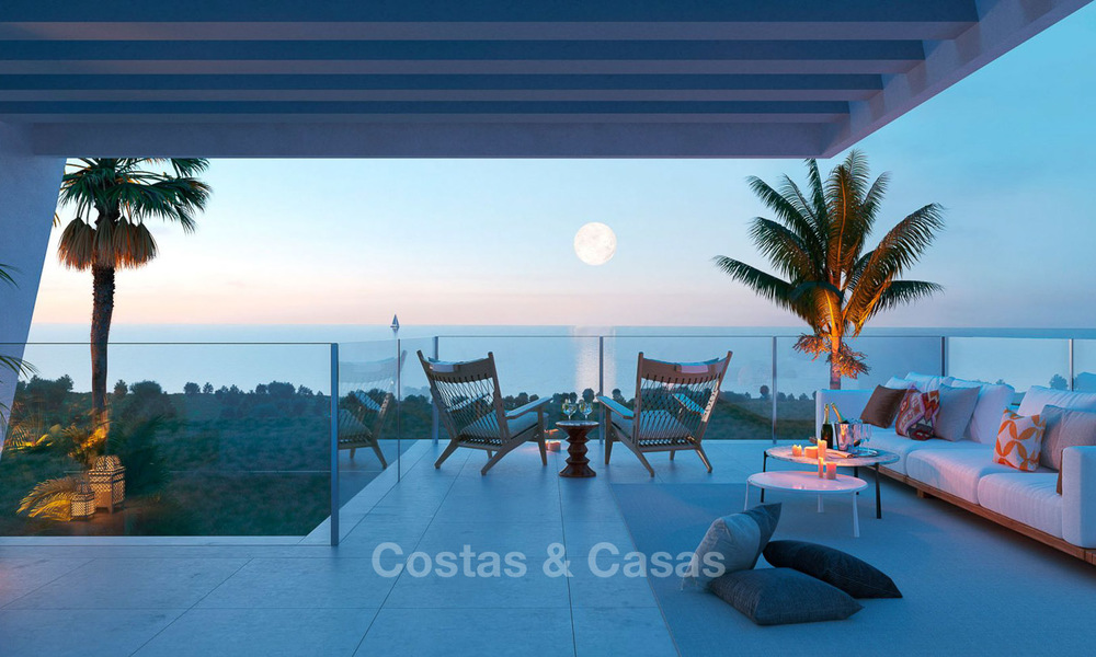 Stunning new contemporary-style townhouses with sea views for sale, in a prestigious resort - Mijas Costa, Costa del Sol 7631