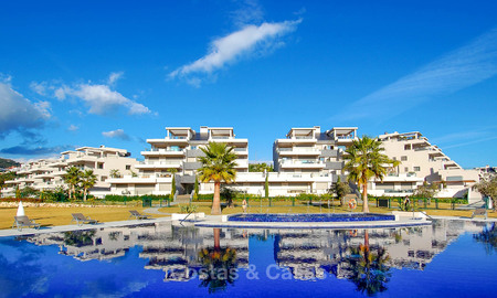 Spacious, bright and modern penthouse apartment for sale with golf and sea views in Marbella - Benahavis 7726