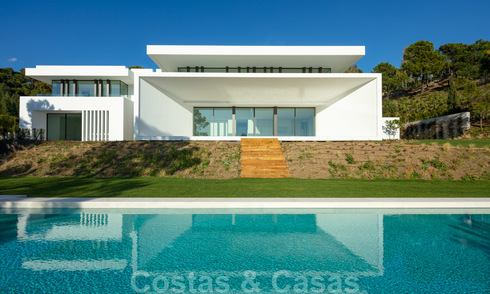 New contemporary luxury villas with sea views for sale, in an exclusive urbanisation in Benahavis - Marbella 21663