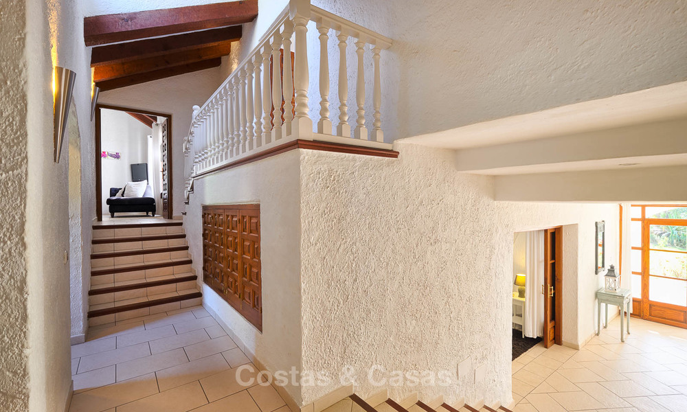 Spacious country-style villa in unique natural surroundings for sale, Casares, Costa del Sol 8102