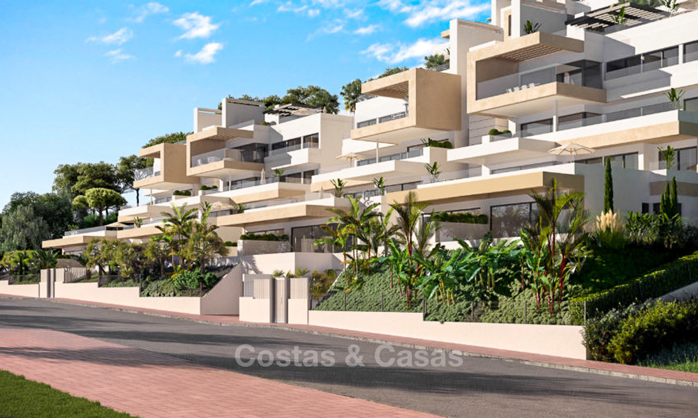 Elegant and spacious new apartments for sale, walking distance from beach and amenities, with sea views, Estepona 8067