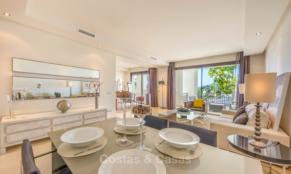 Gorgeous, very spacious luxury apartment for sale in a sought-after residential complex, ready to move in - Benahavis, Marbella 8345