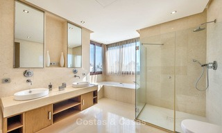 Gorgeous, very spacious luxury apartment for sale in a sought-after residential complex, ready to move in - Benahavis, Marbella 8353