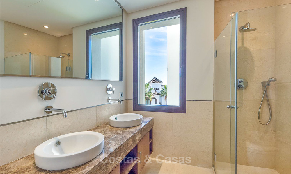Gorgeous, very spacious luxury apartment for sale in a sought-after residential complex, ready to move in - Benahavis, Marbella 8355