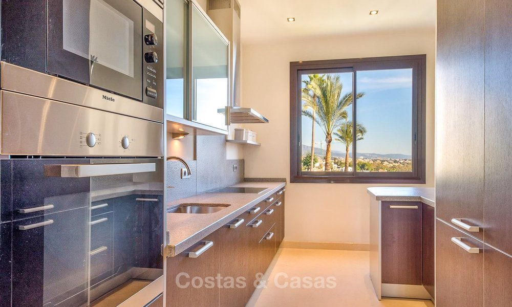 Gorgeous, very spacious luxury apartment for sale in a sought-after residential complex, ready to move in - Benahavis, Marbella 8360