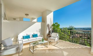 Beautiful, spacious luxury apartment with sea views for sale in a sought-after residential complex, ready to move in - Benahavis, Marbella 8276