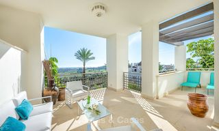 Beautiful, spacious luxury apartment with sea views for sale in a sought-after residential complex, ready to move in - Benahavis, Marbella 8277