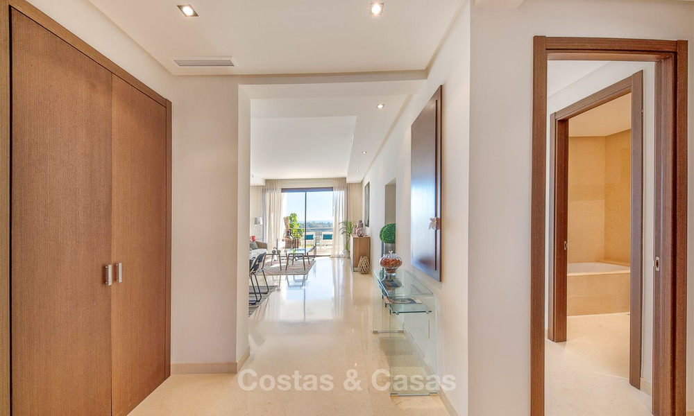 Beautiful, spacious luxury apartment with sea views for sale in a sought-after residential complex, ready to move in - Benahavis, Marbella 8289