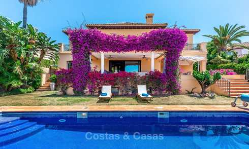 Spacious and luxurious traditional style villa for sale, front line golf, Nueva Andalucía, Marbella 8268
