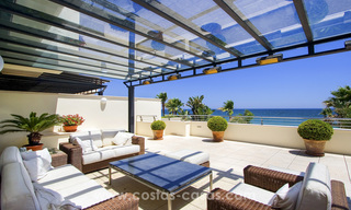 Beachfront luxury apartments for sale on the Golden Mile, Marbella, within walking distance to Puerto Banus 22340