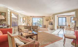 Opportunity to acquire a spacious sea front luxury apartment in the marina of Puerto Banus - Marbella 8488