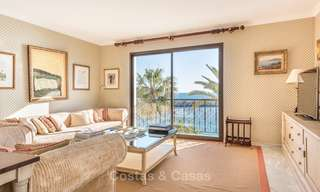 Opportunity to acquire a spacious sea front luxury apartment in the marina of Puerto Banus - Marbella 8489