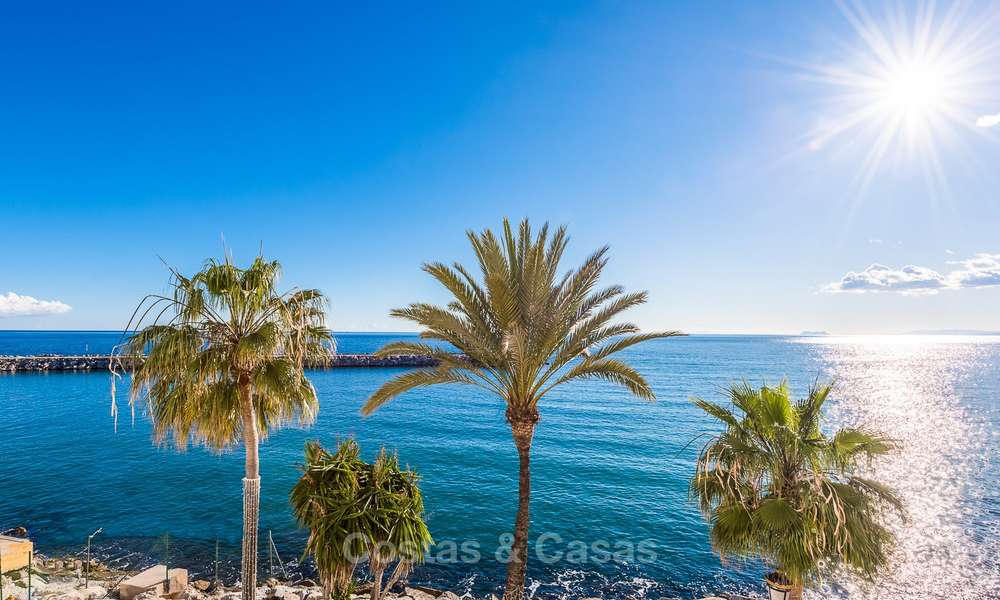 Opportunity to acquire a spacious sea front luxury apartment in the marina of Puerto Banus - Marbella 8499