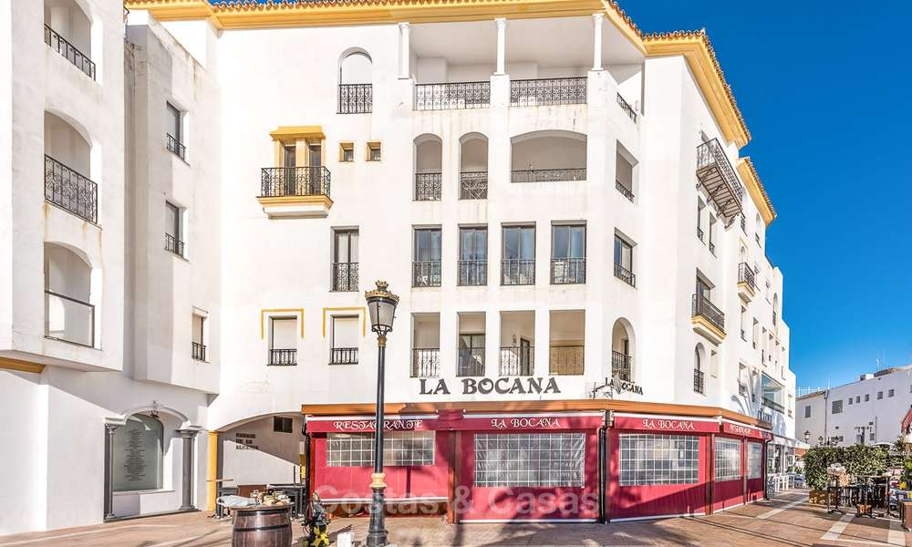 Opportunity to acquire a spacious sea front luxury apartment in the marina of Puerto Banus - Marbella 8501