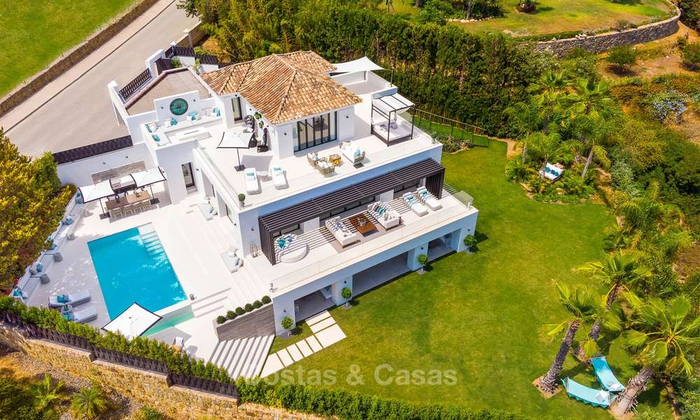 Spacious, nicely renovated luxury villa for sale with sea and golf views, Nueva Andalucía, Marbella 8566