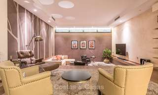 Posh modern luxury apartment for sale in a prestigious residential complex in Sierra Blanca, Golden Mile, Marbella 8771
