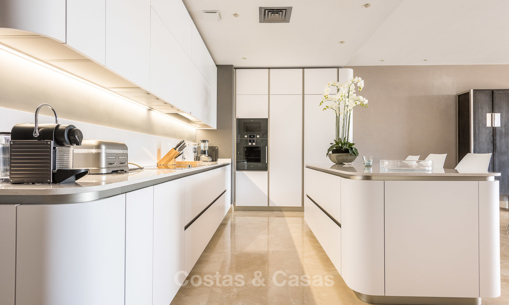 Posh modern luxury apartment for sale in a prestigious residential complex in Sierra Blanca, Golden Mile, Marbella 8785
