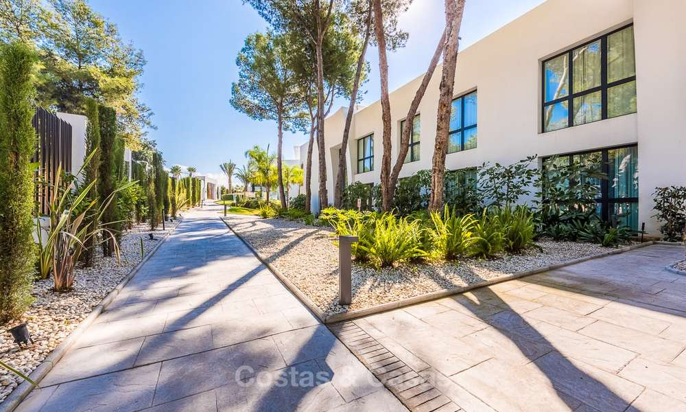 Posh modern luxury apartment for sale in a prestigious residential complex in Sierra Blanca, Golden Mile, Marbella 8786
