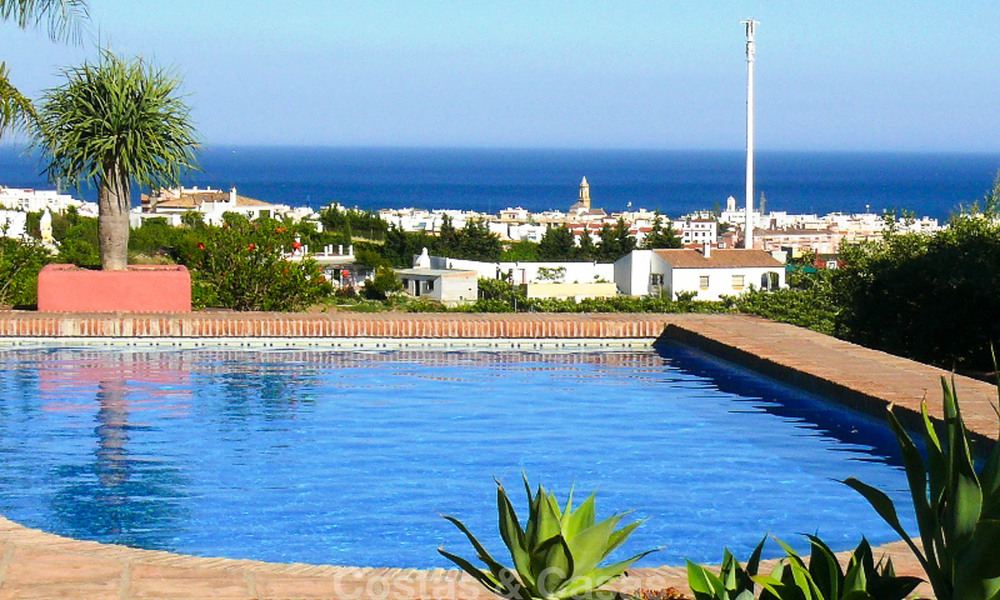 Well located and attractively priced villa - finca with sea and mountain views for sale, Estepona, Costa del Sol 8673