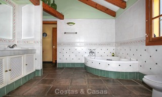 Well located and attractively priced villa - finca with sea and mountain views for sale, Estepona, Costa del Sol 8675