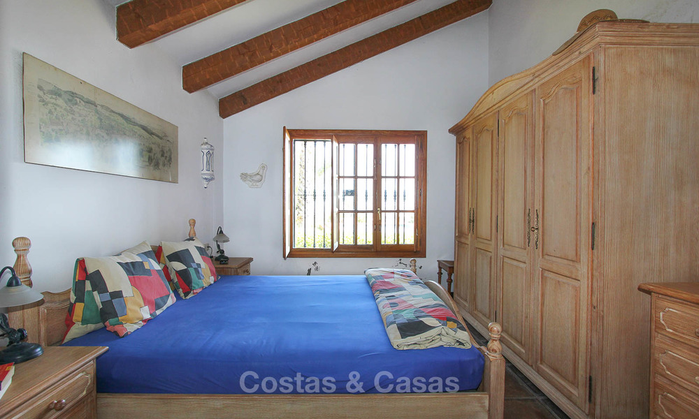Well located and attractively priced villa - finca with sea and mountain views for sale, Estepona, Costa del Sol 8676