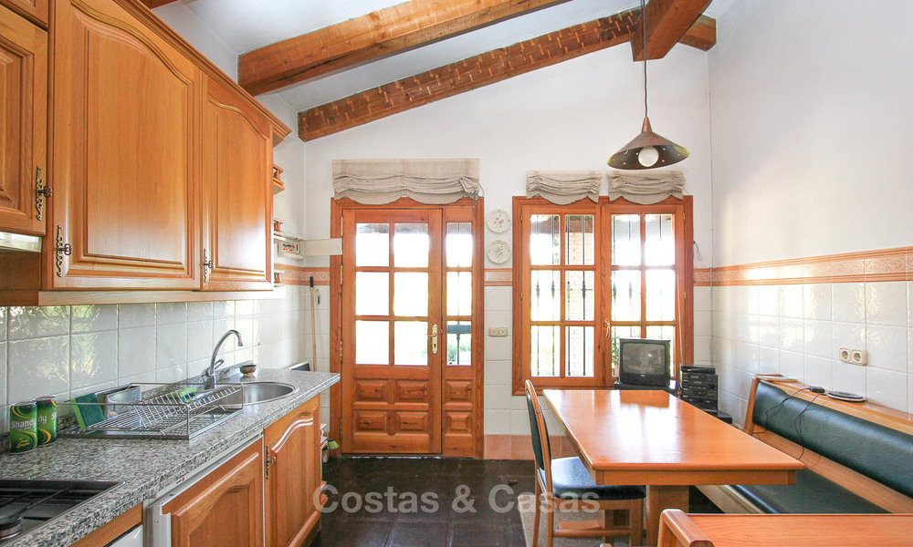 Well located and attractively priced villa - finca with sea and mountain views for sale, Estepona, Costa del Sol 8696