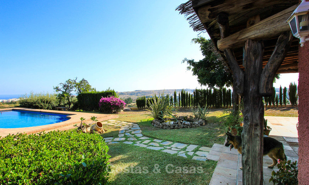 Well located and attractively priced villa - finca with sea and mountain views for sale, Estepona, Costa del Sol 8701