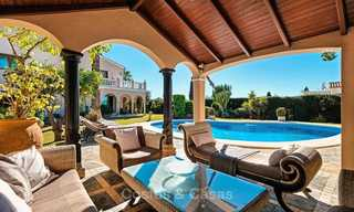 Cosy and luxurious traditional-style villa with sea views for sale, with guest house, ready to move in - Elviria, Marbella 8811