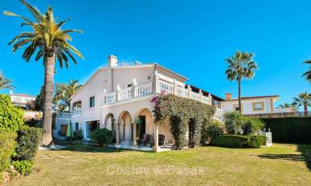 Cosy and luxurious traditional-style villa with sea views for sale, with guest house, ready to move in - Elviria, Marbella 8814