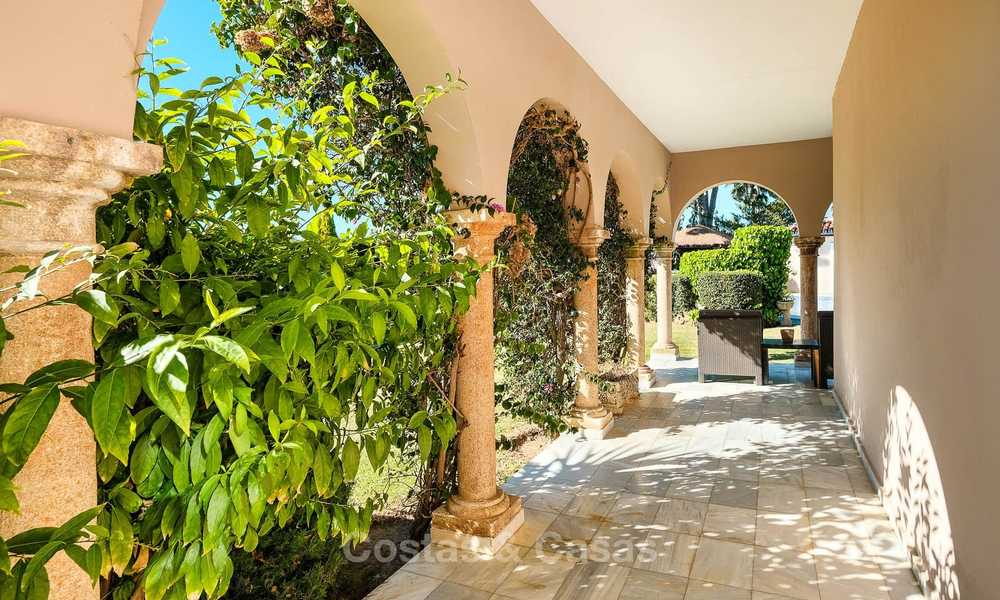 Cosy and luxurious traditional-style villa with sea views for sale, with guest house, ready to move in - Elviria, Marbella 8817