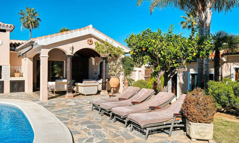 Cosy and luxurious traditional-style villa with sea views for sale, with guest house, ready to move in - Elviria, Marbella 8818