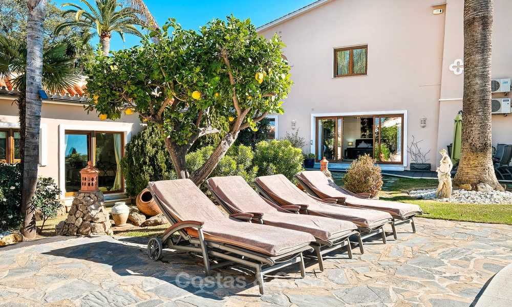 Cosy and luxurious traditional-style villa with sea views for sale, with guest house, ready to move in - Elviria, Marbella 8822