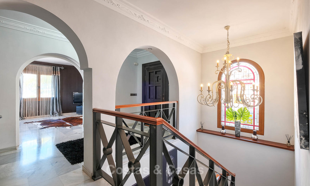Cosy and luxurious traditional-style villa with sea views for sale, with guest house, ready to move in - Elviria, Marbella 8846