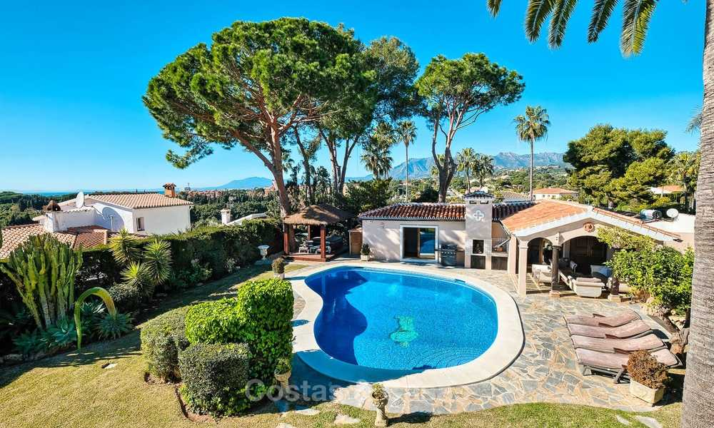 Cosy and luxurious traditional-style villa with sea views for sale, with guest house, ready to move in - Elviria, Marbella 8864