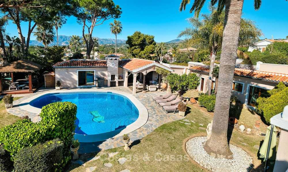 Cosy and luxurious traditional-style villa with sea views for sale, with guest house, ready to move in - Elviria, Marbella 8867