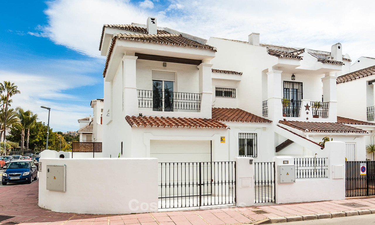 For Sale! Ideal renovated family semi-detached house, located in Nueva Andalucia, Marbella, at walking distance to Puerto Banus 8705