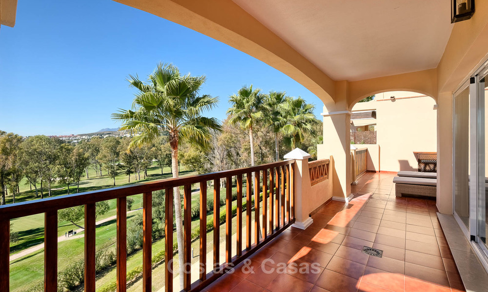 Stunning penthouse apartment for sale in a luxury complex, front line golf with sea views - Marbella - Estepona 8890