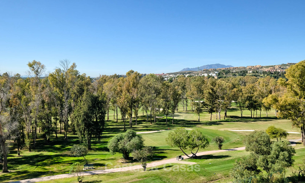 Stunning penthouse apartment for sale in a luxury complex, front line golf with sea views - Marbella - Estepona 8894