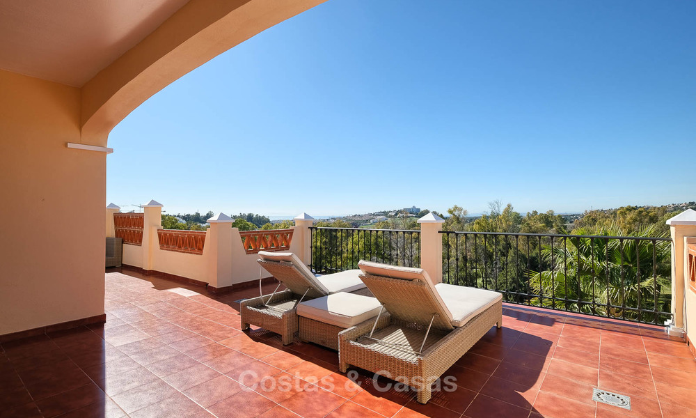 Stunning penthouse apartment for sale in a luxury complex, front line golf with sea views - Marbella - Estepona 8896