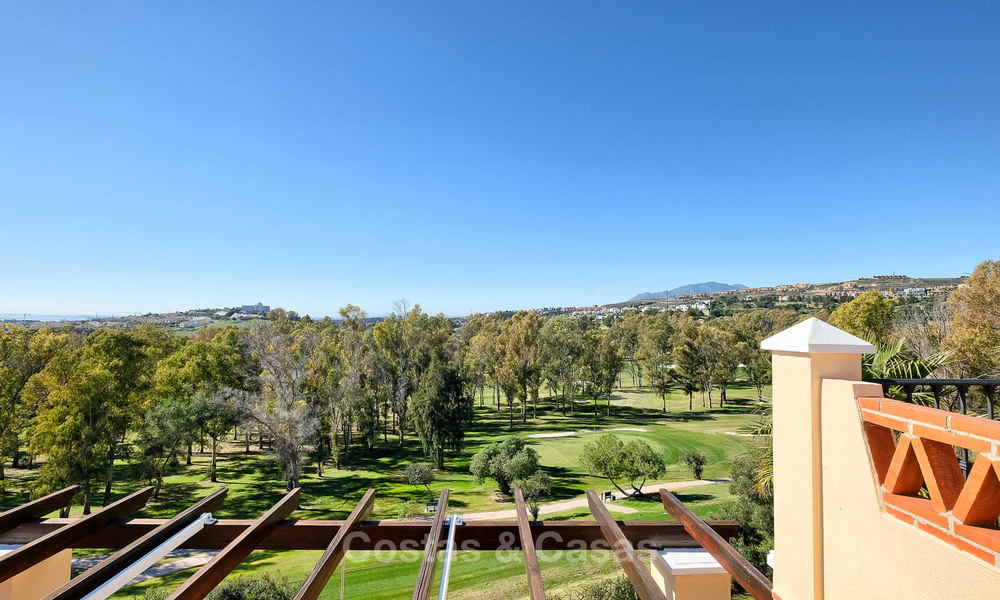 Stunning penthouse apartment for sale in a luxury complex, front line golf with sea views - Marbella - Estepona 8898