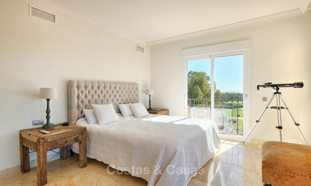 Stunning penthouse apartment for sale in a luxury complex, front line golf with sea views - Marbella - Estepona 8899