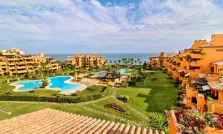 Spectacular penthouse with a private pool in a luxury complex for sale, front line beach – New Golden Mile, Marbella - Estepona 9083